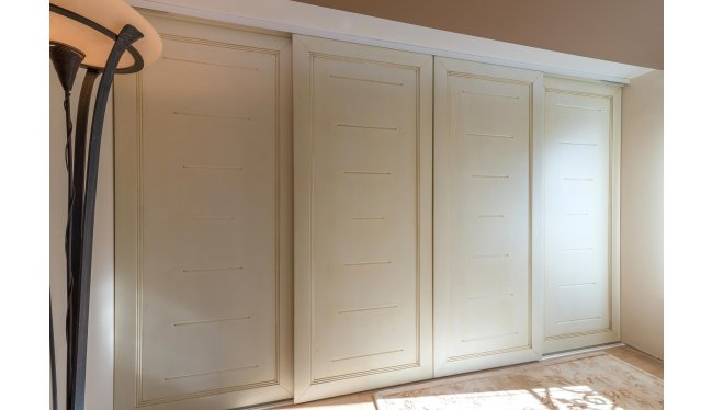 Κλασσική ντουλάπα NRD11